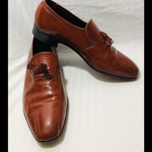 The Florsheim Shoe Brown With  tassels Size 9 1/2D